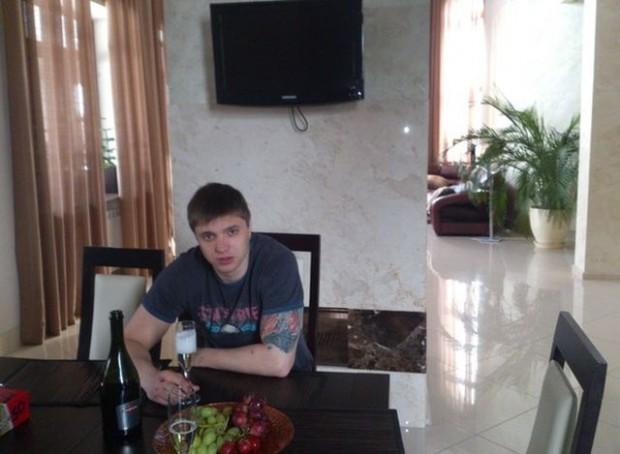 Александр Странник покинул проект за грубость