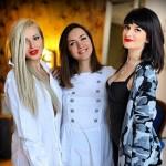 фотосессия Марии Адоевцевой с бывшими участницами Бушиной и Ковалёвой