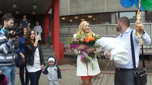 Видео и фото с выписки Ольги Гажиенко